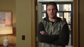 Stephen Amell Stanley Cup.mp4_000002457