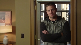 Stephen Amell Stanley Cup.mp4_000003257